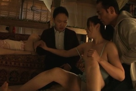 Japanese av model. Japanese AV Model spreads libidinous legs to get woody in foursome